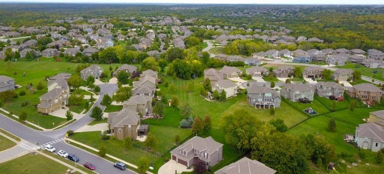 neighborhood people live in after moving from Illinois to Indiana
