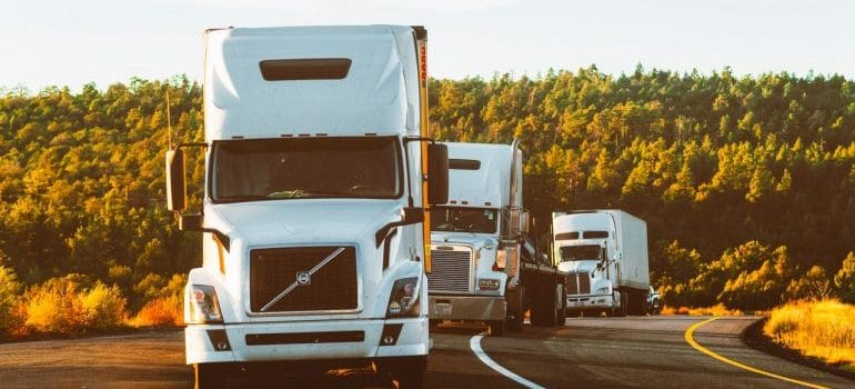 trucks moving from Illinois to Indiana
